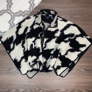 French Connection Houndstooth Cape One Size